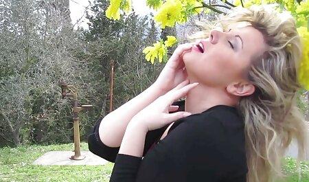 ShesNew pov Sex mit einem natürlich vollbusigen Teen pornos für ältere