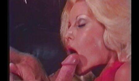 Meine MILF ausgesetzt - pornofilme mit älteren frauen Analsex mit Oma MILF in Strümpfen