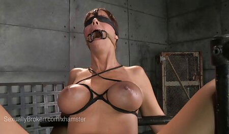 Reife Frau masturbiert pornofilme mit alten mit Dildo
