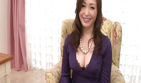 zensierter asiatischer gratis pornos mit alten frauen interkruraler Sex (Strümpfe und Höschen)