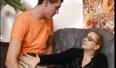 Dieses historische pornofilme Küken liebt zwei Schwänze