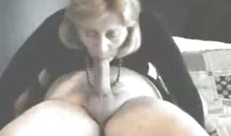 Beim Zucken geile reife frauen pornos erwischt