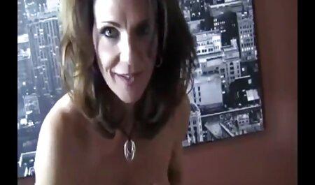 Netter Teen saugt Hahn pornos alte damen im Hotelzimmer
