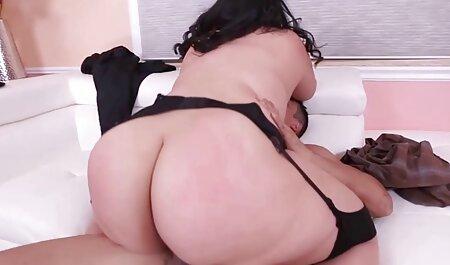 Big Tits und Big historische pornos Butt Babe fickt einen riesigen Schwanz